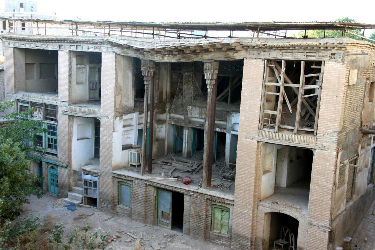 نتیجه تصویری برای خانه حاتمی بروجرد