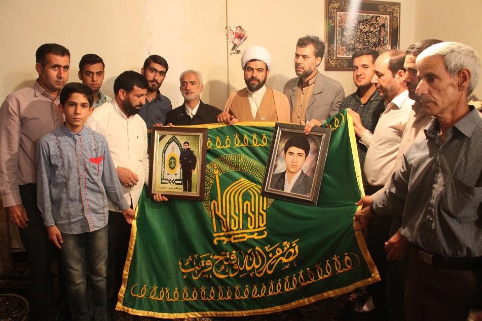 دیدار کاروان خدام امام رضا(ع) با خانواده شهید میثم میرزایی + گزارش تصویری
